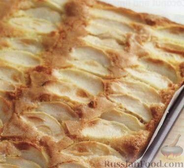 Рецепт Яблочный пирог с тоффи-соусом