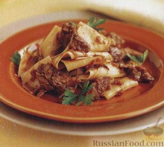 Фото приготовления рецепта: Полосатый салат с сельдью и свёклой - шаг №2