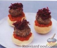 Фото к рецепту: Мини-бургеры со свеклой
