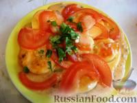 Фото к рецепту: Запеченные яйца под томатным соусом с лососем