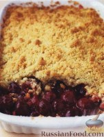 Фото к рецепту: Пирог из вишен и песочного теста