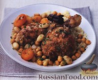 Фото к рецепту: Курица с абрикосами и миндалем