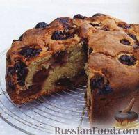 Фото к рецепту: Ореховый кекс с вишней