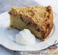 Фото к рецепту: Пирог с яблоками, изюмом и корицей