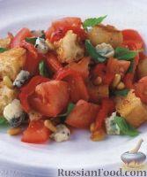 Фото к рецепту: Салат из помидоров и голубого сыра горгонзола
