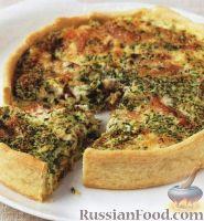 Фото к рецепту: Открытый пирог с копченой рыбой и зеленым луком