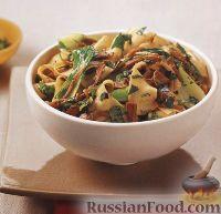 Фото к рецепту: Паста паппарделле (широкая лапша) с жареной уткой и китайской капустой