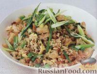 Фото к рецепту: Рис с курицей и креветками