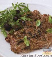 Фото к рецепту: Телячьи эскалопы (отбивные) с анчоусами, каперсами и оливками
