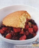 Фото к рецепту: Пирог с ежевикой и яблоками