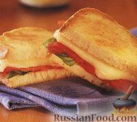 Фото к рецепту: Горячий бутерброд (сэндвич) со сладким перцем и сыром