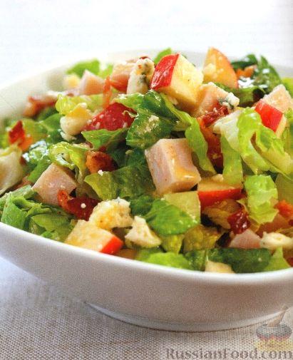 Рецепт Салат из индейки, яблок, бекона и голубого сыра