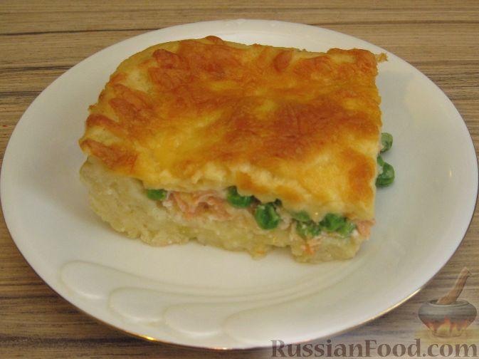 Рецепт Картофельная запеканка с лососем и зеленым горошком