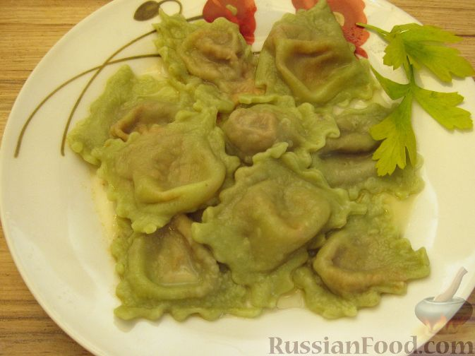 Рецепт Зеленые равиоли с томатно-сырной начинкой
