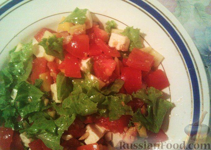 Рецепт Овощной салат с брынзой и арахисом