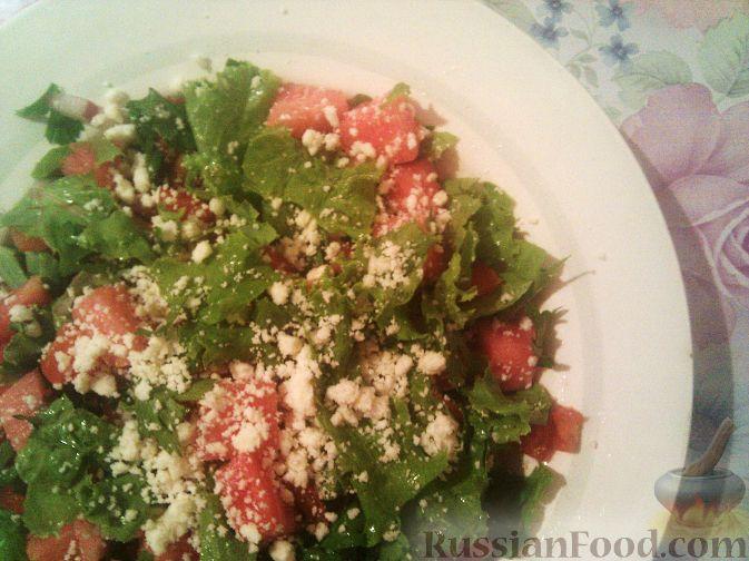 Рецепт Салат из арбуза с овощами и брынзой