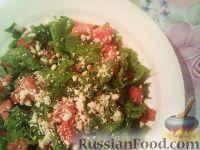 Фото к рецепту: Салат из арбуза с овощами и брынзой
