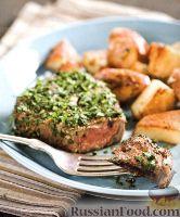 Фото к рецепту: Говяжьи стейки с жареным картофелем