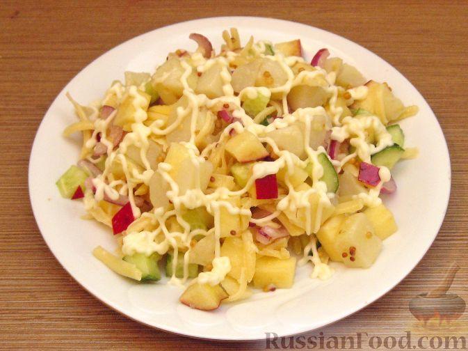 Рецепт Салат картофельный с сыром и яблоками