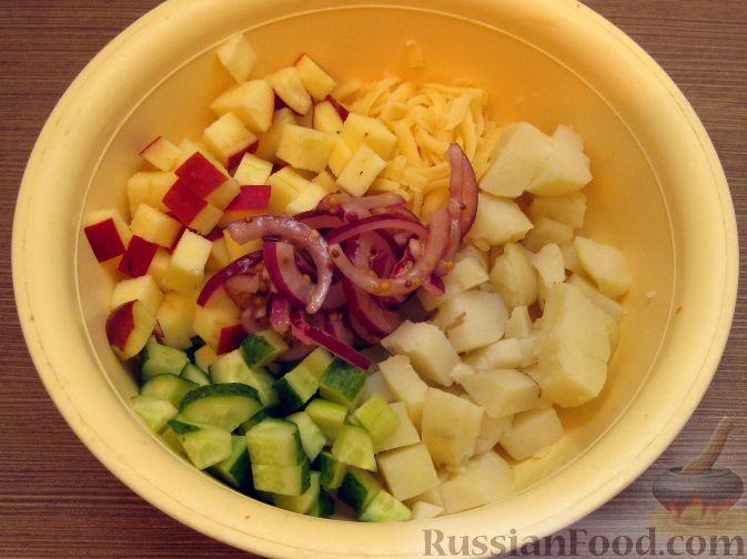 Фото приготовления рецепта: Жареная свиная печень с луком - шаг №7