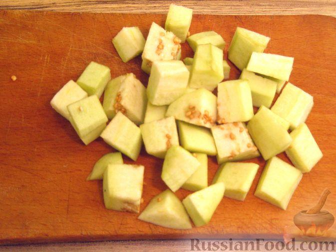 Фото приготовления рецепта: Крем-суп из баклажанов с помидорами - шаг №1