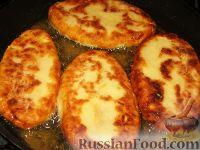 Фото приготовления рецепта: Картофельные язычки с капустой - шаг №3