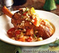 Фото к рецепту: Ягнятина, приготовленная с овощами и перловкой в медленноварке