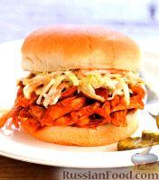 Фото к рецепту: Бургеры с куриным мясом и капустой