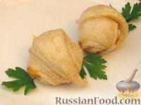 Фото к рецепту: Мини-рогалики из слоеного теста (в микроволновке)