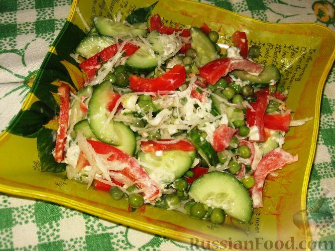 Рецепт Салат с дайконом, красным перцем и огурцом