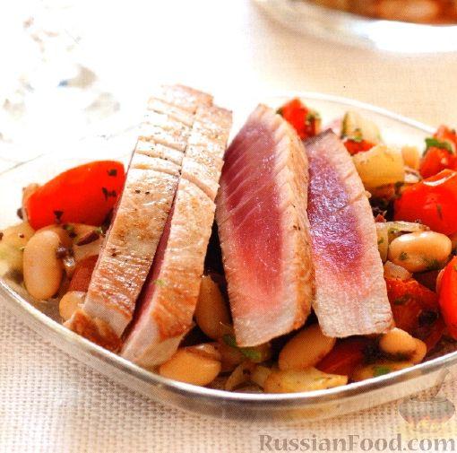 Рецепт Тунец с горячим фасолевым салатом