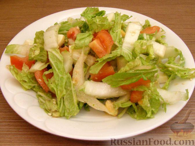 Рецепт Салат из пекинской капусты с помидорами и кунжутом