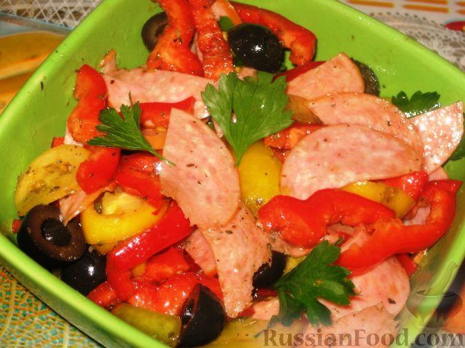 Рецепт Итальянский салат с перцем и салями