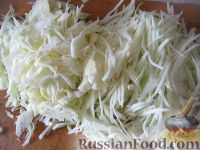 Фото приготовления рецепта: Красный борщ с курицей - шаг №5