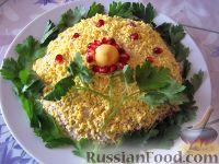 """Фото к рецепту: Салат """"Мимоза"""" с рисом"""