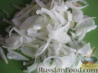 Фото приготовления рецепта: Куриная грудка, жаренная с грибами - шаг №5
