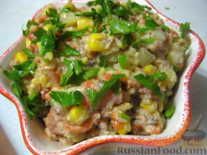 """Рецепт Салат """"Рыбочка"""" с рисом и консервированной кукурузой"""