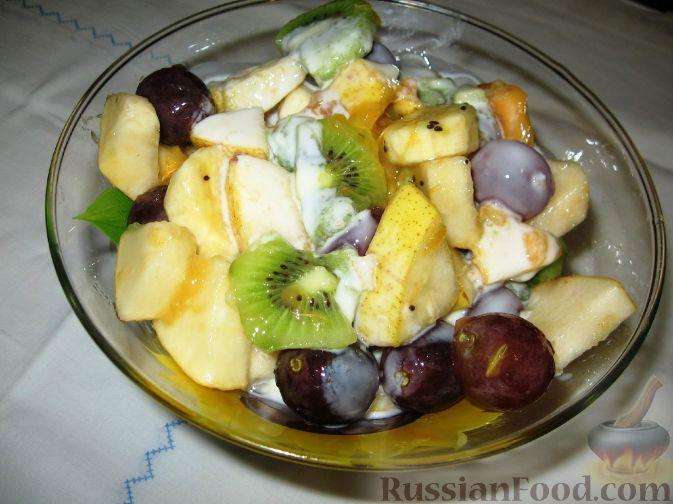"""Фото приготовления рецепта: Фруктовый салат """"Осенний"""" - шаг №3"""