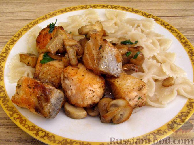 Рецепт Жареная семга с грибами