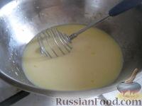 """Фото приготовления рецепта: Оладьи на кефире """"Пышные"""" - шаг №5"""