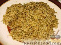 """Фото к рецепту: Спагетти """"волосы ангела"""" с ореховым соусом песто"""