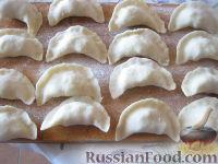 Фото приготовления рецепта: Домашние вареники с картошкой - шаг №9