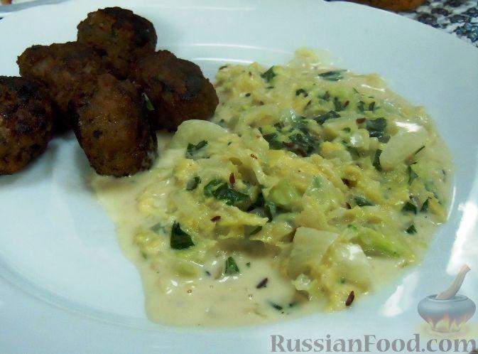 Рецепт Тушеная капуста вирзинг (савойская) в сливочном соусе (Rahmwirsing)