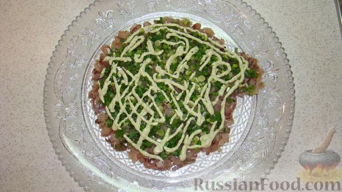 "Фото приготовления рецепта: Салат ""Дед Мороз"" - шаг №5"