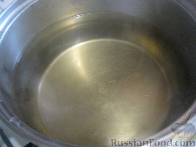Фото приготовления рецепта: Запеканка из пекинской капусты с сыром - шаг №1