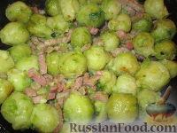 Фото к рецепту: Гарнир из брюссельской капусты с беконом