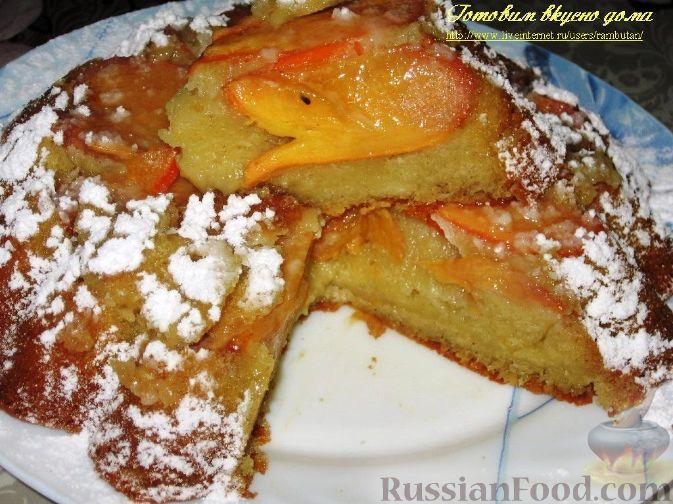 Фото к рецепту: Перевернутый пирог с хурмой