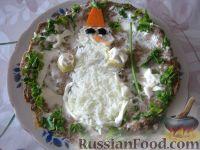 """Фото к рецепту: Нежный печеночный торт """"Снеговик"""""""