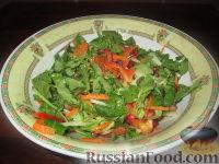 Фото к рецепту: Салат с гранатом