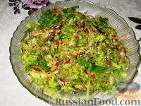Фото к рецепту: Шпротный салат с брокколи